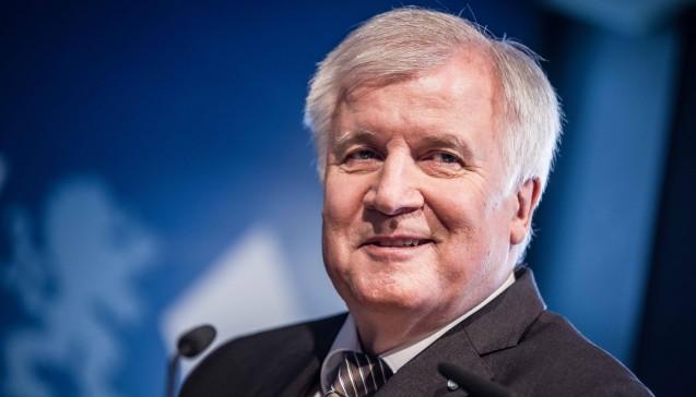 Horst Seehofer (CSU) wird mit 68 der älteste Minister im Kabinett Merkel IV. Er wird Innenminister mit den zusätzlichen Aufgaben Bauen und Heimat. (Foto: Imago)