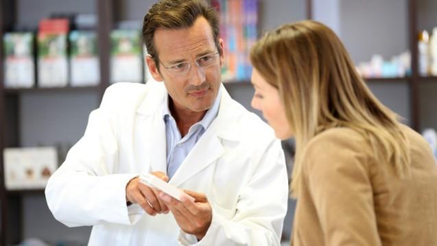 ABDA-Präsident Friedemann Schmidt kann sich für Deutschland ein Einschreibe-Modell vorstellen, wie es in den Niederlanden existiert. Die DAZ-Redaktion hat recherchiert, wie die Rolle des niederländischen Apothekers im Gesundheitswesen ausgestaltet ist. (Foto: goodluz / fotolia)