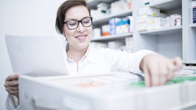 Auch in Hamburg haben sich Ärzte und Apotheker nun auf ein Notfallverfahren zur Rezeptübermitlung geeinigt. ( r / Foto: imago images / Westend 61)