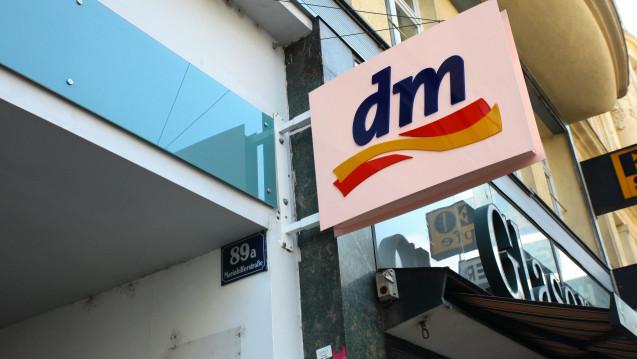 Die Drogeriekette dm will ein drittes Mal vor dem Verfassungsgerichtshof gegen die Apothekenpflicht von OTC-Arzneimitteln klagen. (Foto: Picture Alliance)