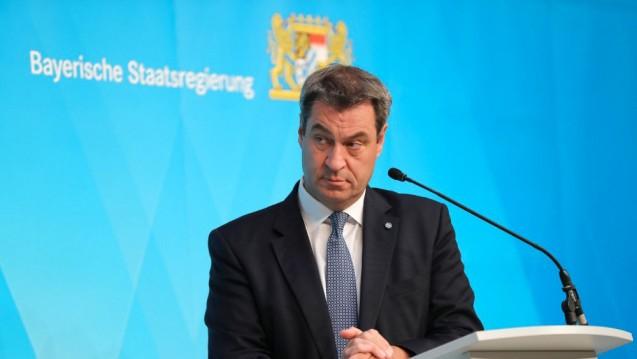 Bayerns Ministerpräsident Markus Söder (CSU) gerät zunehmend unter Druck. (m / Foto: imago images / Sammy Minkoff)