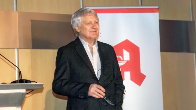 Gerd Glaeske erläuterte auf dem Niedersächsischen Apothekertag, was aus seiner Sicht eine gute Apotheke ausmacht. (m / Foto: tmb)