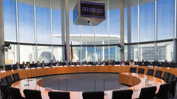Anti-Korruptionsgesetz passiert Rechtsausschuss