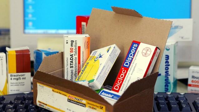 Um 30,6 Prozent gingen die Umsätze mit rezeptpflichtigen Arzneimitteln im Laufe dieses Jahres zurück, berichtet Shop Apotheke. (Foto: IMAGO / Action Pictures)