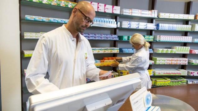 Am Ende des Tages wird wohl jeder Approbierte in der Apotheke einen HBA haben müssen.(c / Foto: imago images / Jochen Tack)