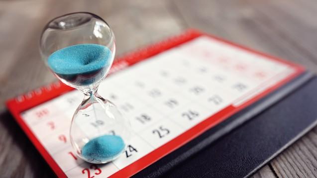 Die Zeit läuft für den elektronischen Heilberufsausweis. (Foto:Brian Jackson - Fotolia.com)