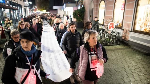 Schon mehrfach haben vor der Bottroper Zyto-Apotheke Demonstrationen stattgefunden, jetzt wollen die Geschädigten vor dem NRW-Landtag protestieren. ( r / Foto: hfd)