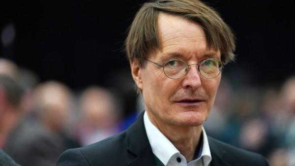 Lauterbach will mehr als 5000 neue Ärzte – pro Jahr