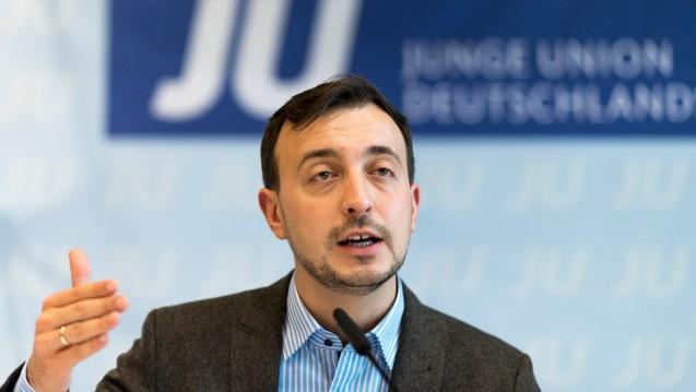 Kein Rabattwettbewerb im Apothekenmarkt: Paul Ziemiak, Vorsitzender der Jungen Union, fordert das Rx-Versandverbot. (Foto: dpa)