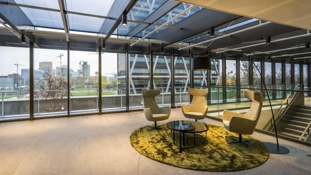 Das neue Gebäude der Europäischen Arzneimittel-Agentur (EMA) an der Amsterdam Zuidas. (Fott: picture alliance / ANP / LEX VAN LIESHOUT)
