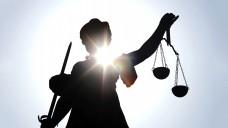 Pressesprecher-Prozess: die beklagte Apothekerin wurde  zum Ersatz der materiellen und immateriellen Schäden verurteilt.  (Bild: helmutvogler-Fotolia.com)