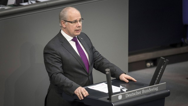 Der CDU-Gesundheitsexperte Georg Kippels kündigte an, dass sich seine Fraktion wieder für das Rx-Versandverbot einsetzen werde, wenn die EU-Kommission das Boni-Verbot ablehnt. (m / Foto: imago images / photothek)