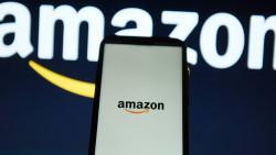 Amazon steht in der Kritik:Mitarbeiter sollen sensible Daten verkauft haben. (Foto: imago)