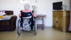 Berliner Pflegeheimbewohner müssen beim Eigenanteil für ihr Pflegeheim im Vergleich zu den anderen Bundesländern am tiefsten in die Tasche greifen. ( r / Foto: Imago)