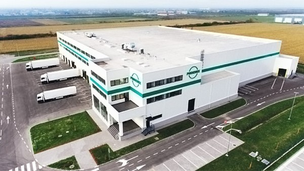 Phoenix errichtet Logistikzentrum in Serbien