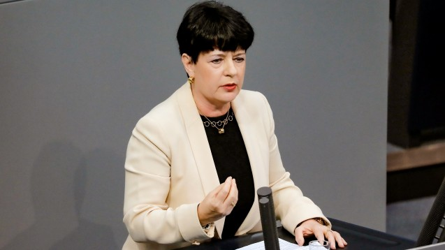 Die gesundheitspolitische Sprecherin der FDP-Fraktion im Bundestag, Christine Aschenberg-Dugnus, fordert gemeinsam mit ihren Fraktionskollegen eine Neuaufstellung bei Rabattverträgen und Arzneimittelproduktion. (c / Foto: imago images / Popow)