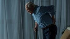 Während es sich bei 80 bis 90 Prozent der weiblichen Fälle um eine primäre Osteoporose handelt, sind bei Männern mehr als die Hälfte aller Fälle sekundär, d. h. durch andere Krankheiten oder medikamentöse Therapien, bedingt. (b/Foto: LIGHTFIELD STUDIOS / AdobeStock)