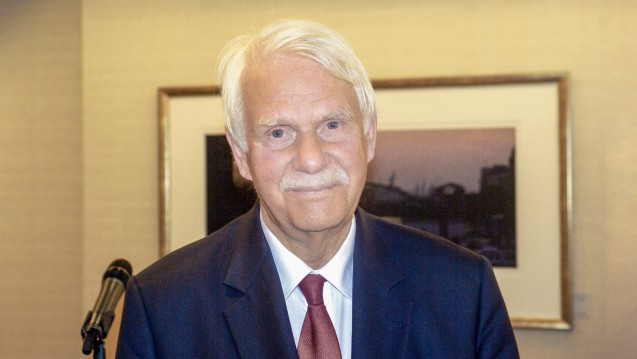 Der NARZ-Chef Dr. Jörn Graue fordert die Standesvertretung auf, der Politik in Sachen Apothekenhonorar und Telematik eigene Vorschläge zu unterbreiten. (Foto: Imago)