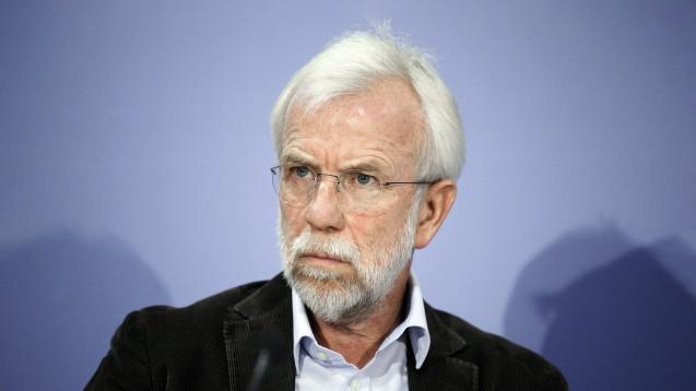 AkdÄ-Chef Professor Wolf-Dieter Ludwig warnt vor einer zu schnellen EU-Zulassung von Remdesivir bei COVID-19. (x / Foto: imago images / Metodi Popow)