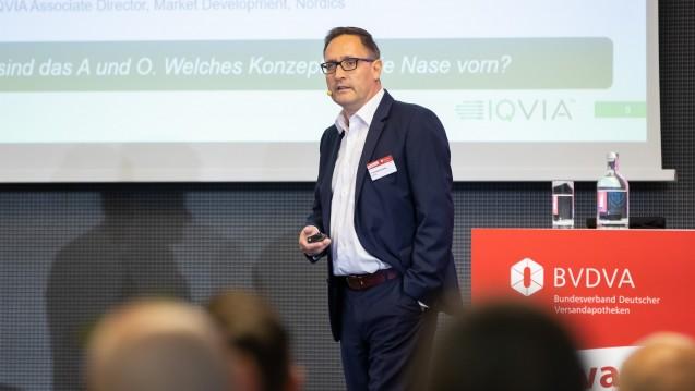 IQVIA-Experte Frank Weißenfeldt widmete sich beim BVDVA-Kongress der Frage, inwiefern das E-Rezept dem Versandhandel weiterhelfen kann oder nicht. (c / Foto: Florian Potthoff)