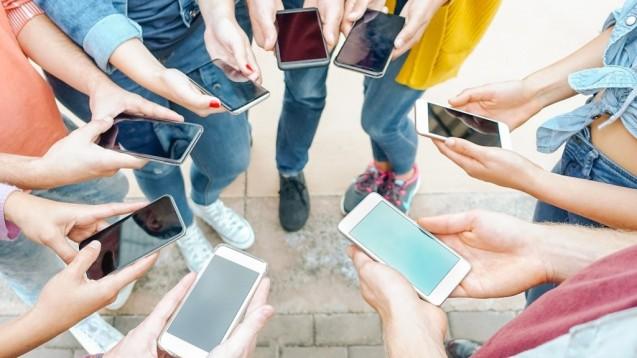 """Man muss den Nachwuchs, die """"Generation Z"""" dort abholen, wo er sich hauptsächlich aufhält, findet die AG Nachwuchs. (s / Foto: Alessandro Biascioli/stock.adobe.com)"""