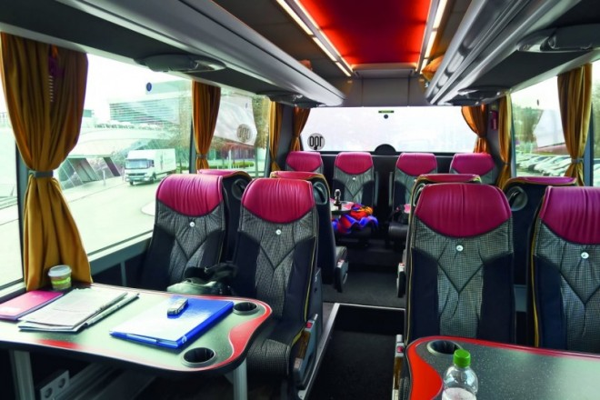 D0512_Henke-bus-innen.jpg