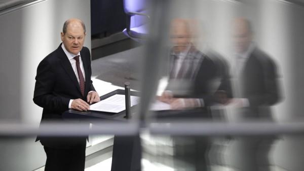 """Bundestag stellt """"epidemische Lage von nationaler Tragweite"""" fest"""