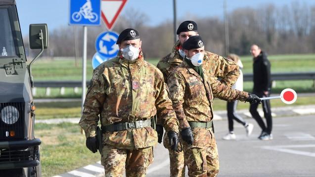 Italiens Regierung hat weite Teile des Nordens abgeriegelt, inzwischen ist in Ägypten erstmals ein deutscher Staatsbürger an dem Coronavirus gestorben. (Foto: imago images / Xinhua)