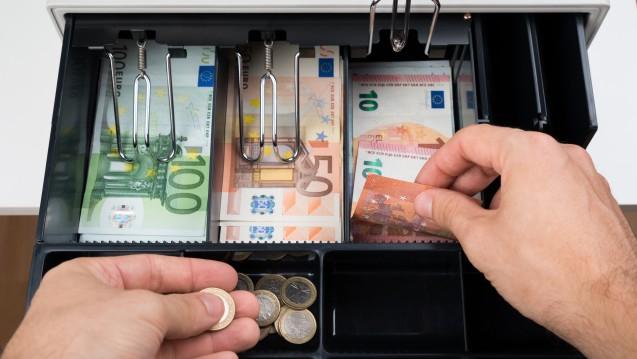 Bald keine kleinen Münzen mehr? In Kleve wollen Händler auf Ein- oder Zwei-Cent-Stücke verzichten– doch einige Hoffnungen erfüllen sich bislang noch nicht. (Foto:Andrey Popov / Fotolia)