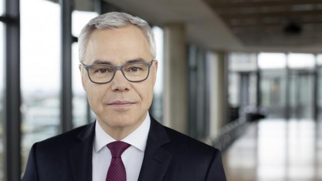 """Ulrich Sommer, Chef der Apobank, plant """"ein Amazon für Fort- und Weiterbildungen"""". ( r / Foto: Apobank)"""