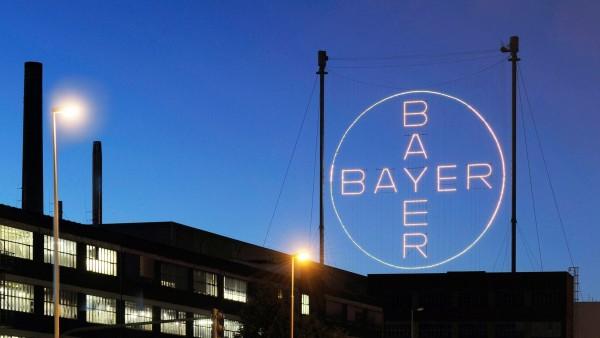 Bayer sieht sich auf Kurs zu Jahreszielen