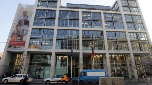 Meinungsbildung nicht beendet: Das BMG teilt mit, dass sich die Koalition in der Frage zum Rx-Versandverbot immer noch eine Meinung bilden muss - trotz des Koalitionsvertrages. (Foto: Sket)