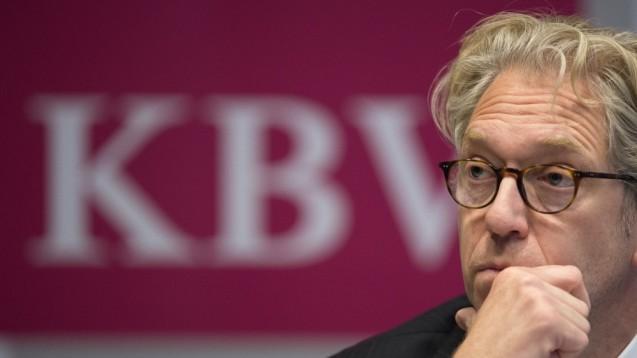 Als Vorstand wiedergewählt: Andreas Gassen bleibt Chef der Kassenärztlichen Bundesvereinigung. (Foto: dpa)