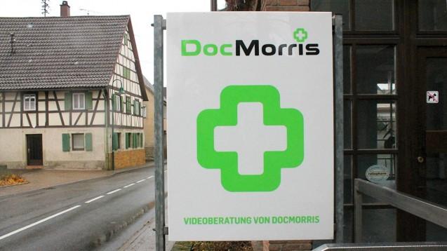 """""""Man wird sich daran gewöhnen"""": Der Bürgermeister testete bereits die Videoberatung von DocMorris. (Foto: Kraichgau Stimme)"""
