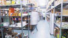 Mehr möglich als gedacht: Aus Sicht des Bundesverwaltungsgerichtes können Apotheken in externen Lagerräumen beispielsweise auch Bestellungen organisieren oder andere apothekennahe Tätigkeitkeiten ausführen. (Foto: shock/fotolia)