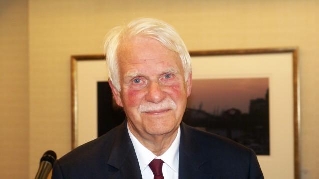 Dr. Jörn Graue, Vorsitzender des NARZ. (Foto: tmb/DAZ)