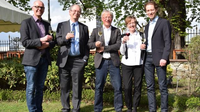 Von links: Pharmazierat Thomas Hanhart (Beisitzer), Bernhard Pohlmann (2. Vorsitzender), Andreas Hott (1. Vorsitzender), Petra Engel-Djabarian (Beisitzerin), Dr. Jan-Niklas Francke (3. Vorsitzender). (Foto:LAV RP)