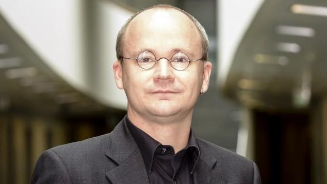 Kai Vogel fordert Planungssicherheit im Apothekenmarkt. (m / Foto: vzbv)