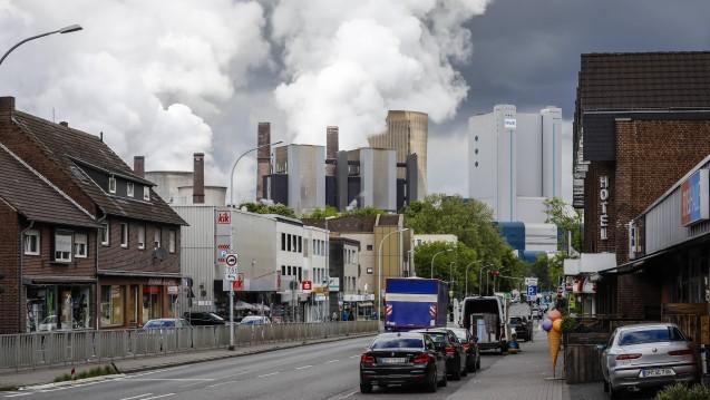 Einer aktuellen Studie aus den USA und Dänemark zufolge zeigen Umwelt- und Gesundheitsdaten, dass in Regionen mit schlechter Luftqualität bipolare Störungen und andere psychische Erkrankungen häufiger vorkommen. (Foto: imago images / Oberhänser)