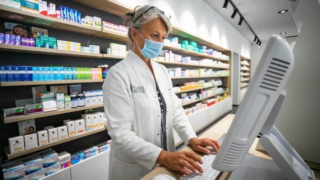 Apotheken sollen künftig COVID-Impfzertifikate ausstellen können. (Foto: IMAGO / Future Image)