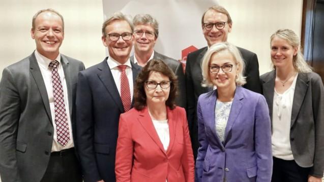 Der frisch gewählte Vorstand des AV Nordrhein (v. l.): Peter Vogt,Sebastian Berges, Dr. Markus Reiz,Regine Quinke, Thomas Preis,Doris Schönwald und Silke Stütz. ( r / Foto: Müller, AVNR)
