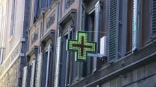 In Florenz dürfen nun auch OTC-Shops mit dem klassischen grünen Kreuz werben. (Foto: dpa picture alliance/ Design Pics)