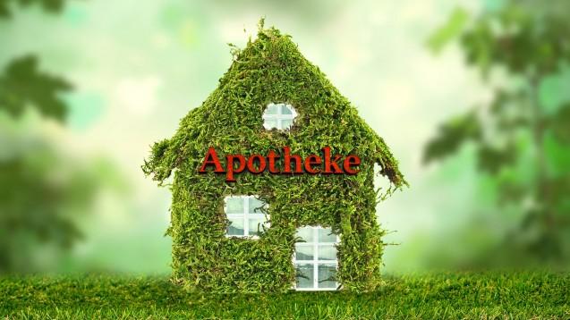 Wie nachhaltig ist Ihre Apotheke bereits? (c / Bild Haus: jenny Sturm | Schriftzug: blende11.photo / stock.adobe.com | Montage: DAZ.online)