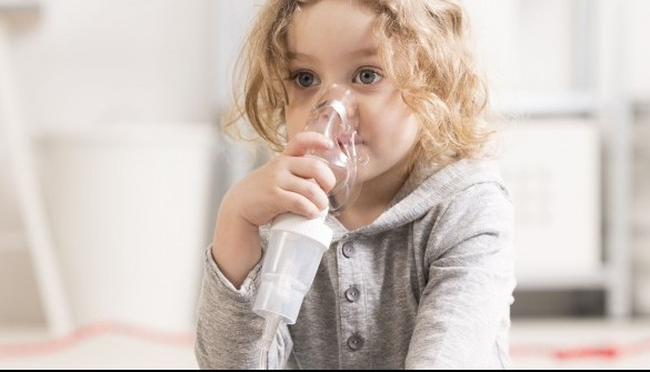 Inhalationsgeräte zählen zu den Hilfsmitteln, die Verordnungen stammen oft vom Kinderarzt – und es gibt eine Menge Fallstricke. Die Regelungen sind nämlich von Kasse zu Kasse unterschiedlich. DerBeratungs-Quickie beschreibt, was bei der Abgabe eines Inhalationsgerätes zu beachten ist, von den Formalien bis zur Beratung.(Foto: Photographee.eu / Fotolia)