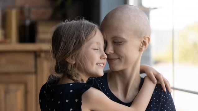 Tumorkachexie: Was tun bei krebsbedingter Mangelernährung? (b/Foto:fizkes / AdobeStock)