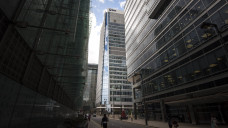 Ein düsterer Blick auf das EMA-Gebäude: Ein Sinnbild für den Blick in die Zukunft, also die Zeit nach dem Brexit? Laut EMA sind die UK-Pharmafirmen nur lückenhaft auf den Brexit vorbereitet. (s / Foto:Matt Crossick / imago)