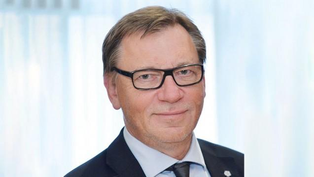 Kritik am Plan: Aus Sicht von Dr. Ulrich Weigeldt, Chef des Hausärzteverbandes, könnten handschriftliche Ergänzungen der Apotheker auf dem Medikationsplan Einfallstor für Komplikationen sein. (Foto: DHÄT)