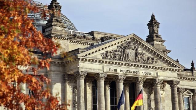 Morgen verabschiedet der Bundestag das VOASG – ohne ein Rx-Versandverbot. (c / imago images / Reiner Zensen)