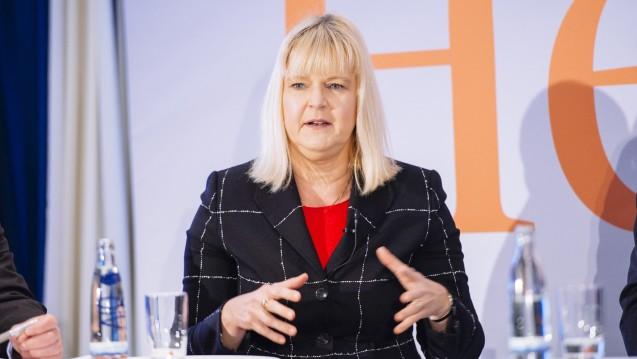 ABDA-Wirtschaftschefin Claudia Korf erklärte, dass die ABDA derzeit neben dem Rx-Versandverbot noch viele andere wichtige Themen bearbeite. (Foto: Külker)
