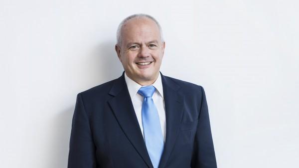 BAK-Präsident Kiefer bleibtVorsitzender der DAC/NRF-Kommission